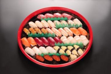お寿司のテイクアウト&デリバリー始めました。